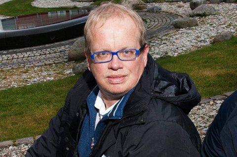 Geir Seljeseth har etter noen svært turbulente dager valgt å trekke seg som styremedlem i TIL Holding og TIL Fotball.