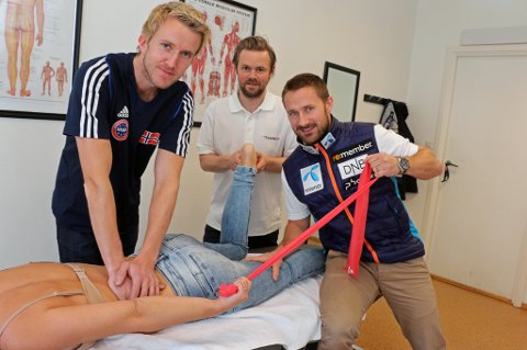 LANDSLAGSKLINIKKEN: Frank Kjeldsberg (f.v), André Fagerborg og Tord Morten P. Moen jobber alle ved Klinikk24 i Tromsø, samtidig som de jobber i det medisinske apparatet til henholdsvis kickboxinglandslaget, kvinnelandslaget i fotball og alpinlandslaget.