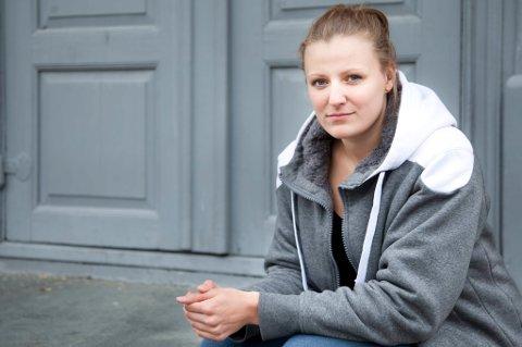 Den OL-aktuelle toppsvømmeren Susann Bjørnsen fra Setermoen mener kvinnefotballspillere som Guro Pettersen egentlig er heldige som får lønn fra klubben sin i det hele tatt, og trekker frem seg selv og andre utøvere på toppnivå i andre idretter som ikke får en krone. At norske herrefotballspillere har respektable årslønner og vel så det rister hun bare på hodet av.