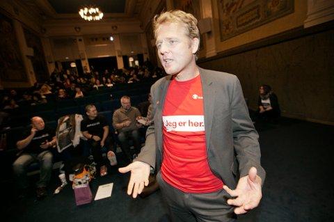 Lars Due-Tønnesen fra Redd Barna snakket til publikum i Tromsø om overgrep i idretten, et tema han mener idretten selv ikke tør snakke om – og derfor avdekker altfor få saker.