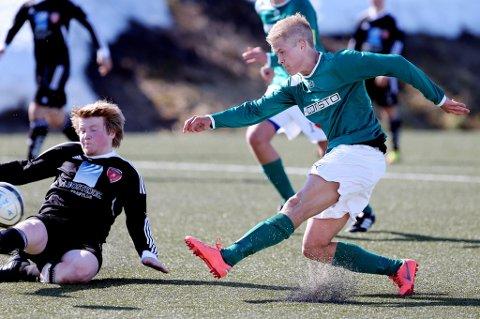 Isak Furu Krogstad som Fløya-spiller. Han spiller nå for FK Senja, og er ønsket tilbake til de grønne i Tromsø.