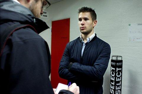 Lars-Gunnar Johnsen sier i intervju med Nordlys at han gjerne blir i TIL. Hva klubben tenker om det, vil vise seg etter siste seriekamp mot Haugesund. Der kan Johnsen være på banen for andre gang i år, etter at 2015 har blitt et skadeplaget år for 24-åringen.