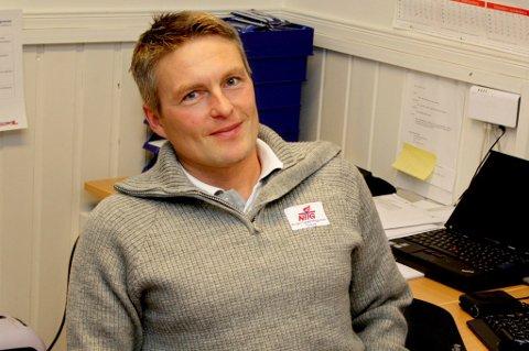 Daglig leder Sture Grønli på NTG Tromsø holder torsdag kveld et informasjonsmøte om skolen sammen med håndballmiljøet i byen etter et initiativ fra Bravo HK. Det kan ende med et håndballtilbud på NTG.