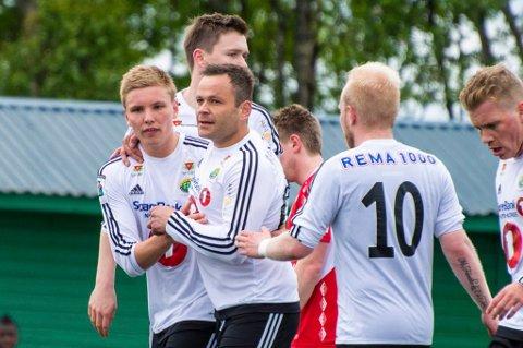 Hans Åge Yndestad, her med FIL-kompisene Tobias Schjetne, Dan-Roger Roland, Andreas Løvland og Jonas Simonsen, spiller sannsynligvis for Finnsnes også i 2016.