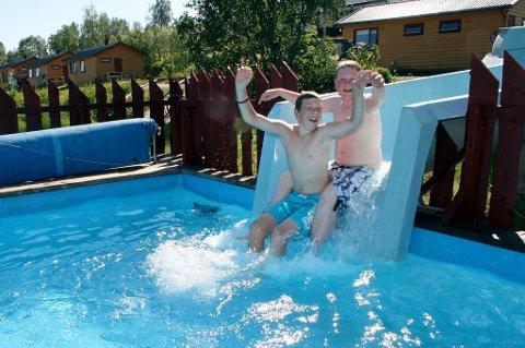 Sommerferie på Senja camping, Odd Marcus Bakketun Svendsen (t.v.) og Ruben Alexander Hermansen Nordstrand.