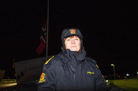 BERØRER ALLE: Sysselmann Kjerstin Askholt er rørt over dugnadsånden folk fremviser i Longyearbyen.