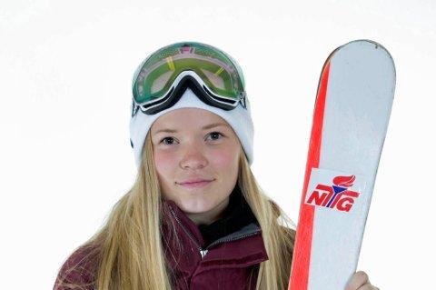 Tora Johansen har flyttet fra Tromsø til Lillehammer for å gå på NTG. Nå får hun representere Norge i ungdoms-OL på hjemmebane.