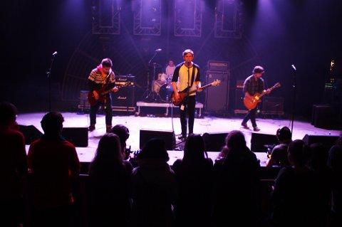 Bilde fra fjorårets rockemønstring, her er Defaced fra Tromsø som endte som nummer to.