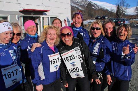 SOSIALT FOKUS: Denne Northern Runners-gjengen er hekta på løping. Fra venstre: Karin Jensen, Herdis Giø, Linda Vik, Anne Elisabeth Evenseth, Anita Andresen, Kristina Nymo, Nina Nymo, Nina Olsen, Ingrid Hovda Lien og Magnhild Reddy Sørensen.