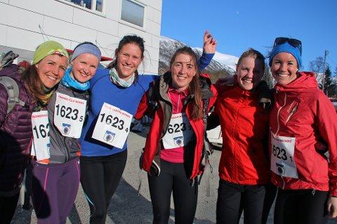 Venninnegjengen Eli Børve (f.v), Vilde Holtmoen, Monica Hultin, Anja Lisland, Marianne Kirkebakk og Solfrid Eik deltok for første gang i TUIL-stafetten. Det var oppladning før pizza- og vinkveld.