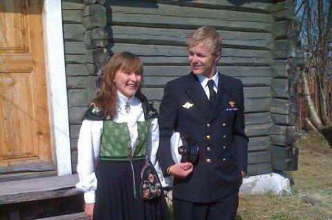 FØR AVREISE: Dette bildet er tatt bare noen dager før helten Andreas Eldjarn dro til Afghanistan for siste gang. Her sammen med søster Marie Eldjarn. Alle foto: Gunnar Eldjarn.