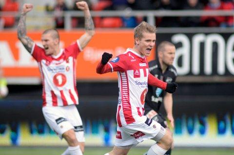 Mikael Norø Ingebrigtsen har fått enda mer å juble for i 2015. Nå har unggutten blitt enig med TIL om en ny kontrakt, som varer til 2018.