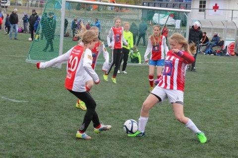 Flere jentelag var i aksjon under Bardufoss Cup. Nå vil Kvaløya Sportsklubb arrangere turnering kun for jenter.