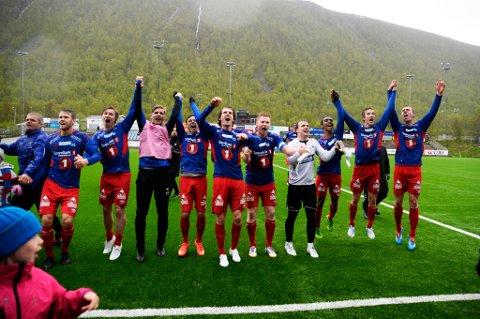 Tromsø  20150604. NM-cup i fotball, TUIL jubler for seier i kampen TUIL mot Bodø/Glimt på TUIL Arena torsdag ettermiddag. Kampen endte 6-2. Foto: Rune Stoltz Bertinussen / NTB scanpix