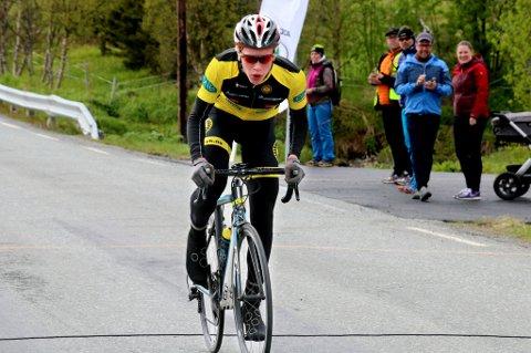 Andreas Leknessund fra Tromsø Cykleklubb gjør omtrent som han vil lokalt i 15-16-årsklassen. Nå flytter han til Bærum for å gå på toppidrettsgymnas og satse videre.