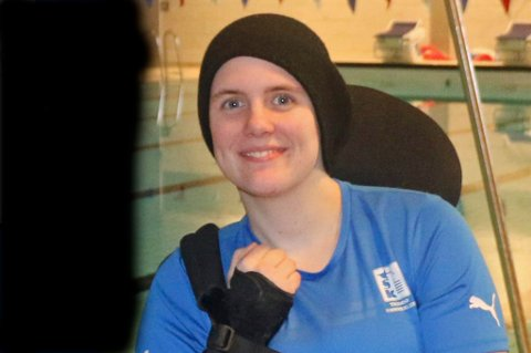Ingrid Thunem (25) lå før jul på intensivavdelingen på sykehuset og visste ikke om hun ville leve eller dø. Det var så kritisk at hennes mor ble bedt om å komme seg til Tromsø samme kveld, siden legene ikke visste hvor lenge hun var i live. Et halvt år senere er svømmeren fra Tromsø Svømmeklubb klar for VM, og har notert sin 20. stående verdensrekord.