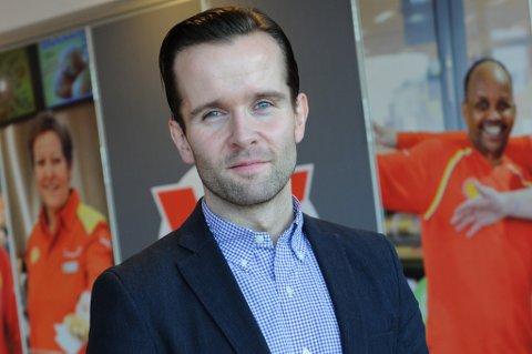 FØLGER OPP: Markedsdirektør i Shell Norge sier de har vært i tett dialog med Shell-stasjonen i helga. Pressefoto: Shell