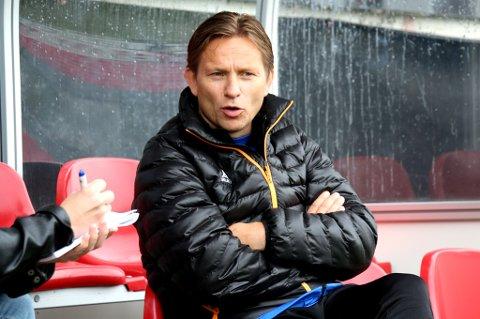 Det ble mange spørsmål for Steinar Nilsen dagen etter 0-6 for Strømsgodset på Alfheim. At mange supportere og folk i kommentarfelt på sosiale medier roper på hans avgang mener han i stor grad kommer av at Nordlys' sportsleder satte temaet på agendaen tidligere i sesongen.