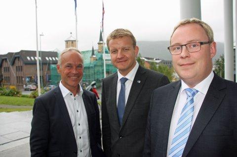 VIL HA KONKURRANSE: Kommunalminister Jan Tore Sanner (H), byrådsleder Øyvind Hilmarsen og byråd for helse og omsorg, Kristoffer Kanestrøm.