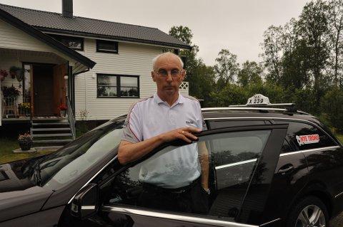 Jon Nymo legger ned taxidrifta etter 40 år i bransjen. Han nekter å føye seg etter UNN.