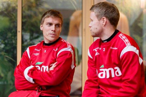 Mye benketid for både Ruben Yttergård Jenssen og Tom Høgli denne søndagen. Yttergård Jenssens Kaiserslautern tok seg videre i cupen etter straffesparkkonkurranse, mens Høglis FC København spilte 1-1 hjemme mot Nordsjælland.