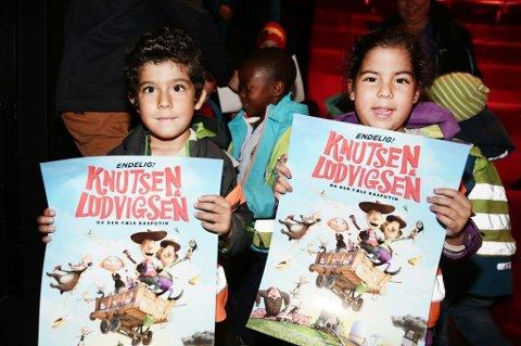 Paula Orozco og Daniel Orozco (begge 5 år) likte Knutsen & Lundigsen-filmen. Foto: Torgrim Rath Olsen