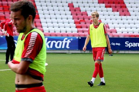 Brage Berg Pedersen har i sommer trent med Remi Johansen og resten av A-laget til TIL. Unggutten er villig til å reise ut hvis han forespeiles en bedre hverdag et annet sted. Til uka besøker han Genoa på nytt. Samtidig har Celtic, Aston Villa og Fiorentina vært i innledende kontakt.