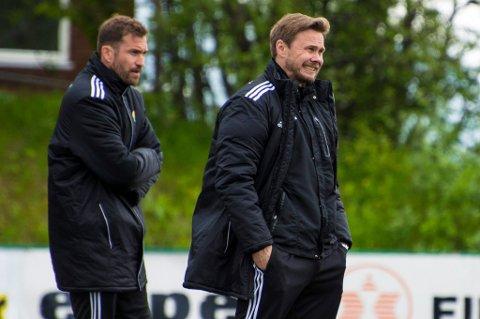 Bjørn Johansen ser ut til å fortsette som hovedtrener for Finnsnes, etter en førjulstid med mye spekulasjoner om assistenttrenerjobben i TIL. I 2016 får han ikke med seg Miika Koppinen (t.v.) som sin assistent.