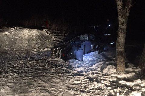DØDSULYKKE: En person omkom da denne skuteren traff et tre i Malangen i Balsfjord fredag ettermiddag.