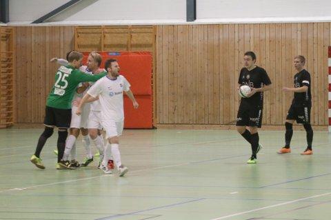 SKUFFET: Sjarmtrollans spillere depper etter Tillers 2-1-scoring.