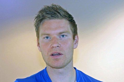 VRAKET I TUIL: Eirik Bertheussen får ikke fortsette i TUIL. Fjorårskapteinen sier han har fått beskjed om at han er for gammel.