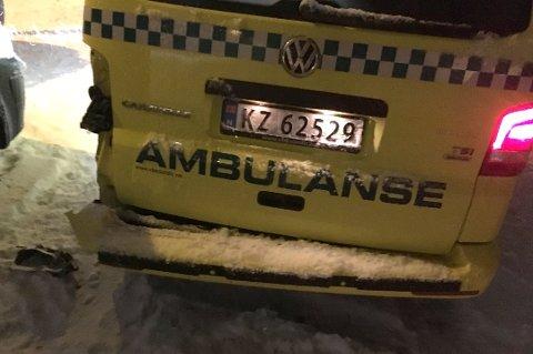 Ambulansen fikk seg en trøkk.