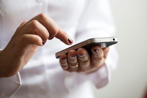 ADVARER: Eksperter advarer mot å ta personlighetstester på Facebook.