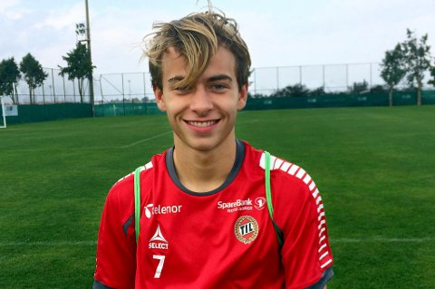 Brage Berg Pedersen (16) er tatt ut på det norske G17-landslaget som skal møte Tsjekkia, Tyrkia og Sverige i Spania. Unggutten reiser trolig i mars på sitt andre opphold med nederlandske AZ Alkmaar.
