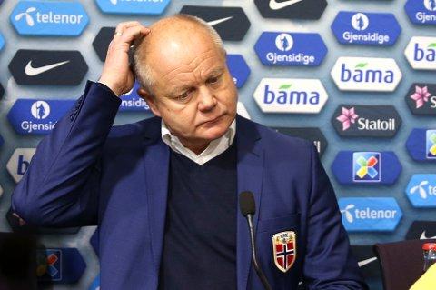 PRESSET: Per-Mathias Høgmo på pressekonferansse etter kampen mot San Marino i høst.