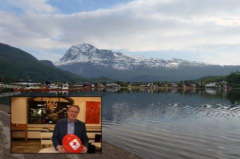 FORNØYD AKSJONSLEDER: - Jeg tror Lavangen virkelig har vist at de har gode TV-aksjonstradisjoner, og jeg har lagt merke til at kommunene har hygget seg med å utfordre hverandre mellom kommunene, sier fylkesmann Bård Magne Pedersen.