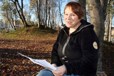 FÅR OPPREISNING: Mobbeoffer Irene Jørgensen med det gledelige budskapet om at hun er hørt og trodd.