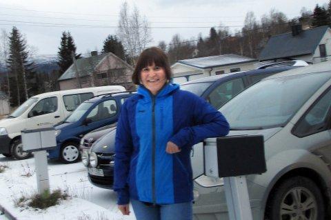 SYKKELFRITT: Bare biler og ingen sykler utenfor jobben til folkehelsekoordinator Jeanette Jørgensen i Bardu kommune.