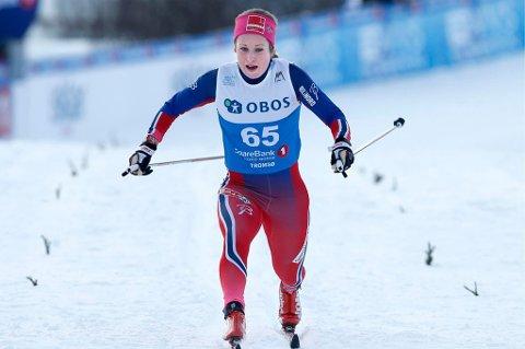 TØFF TEST: Anna Svendsen og de nordnorske jentene fikk det tøft under langrennsåpningen på Beitostølen.