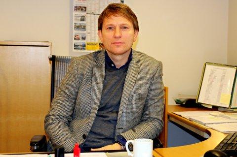 KRITISK: Steinar Nilsen hadde aldri sett for seg at TIL skulle rykke ned og markere 100 årsjubileum i 1.divisjon. Han forventer en nådeløs evaluering nå.