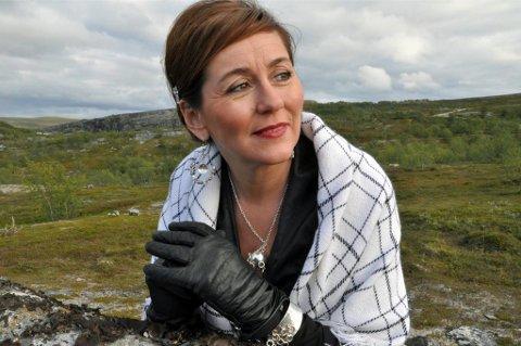 NYTT ETTERNAVN: Marit Øverli Hætta vil videreføre familiens navn vet å ta et nytt etternavn. Det har vist seg å være vanskeligere enn hun hadde trodd på forhånd.