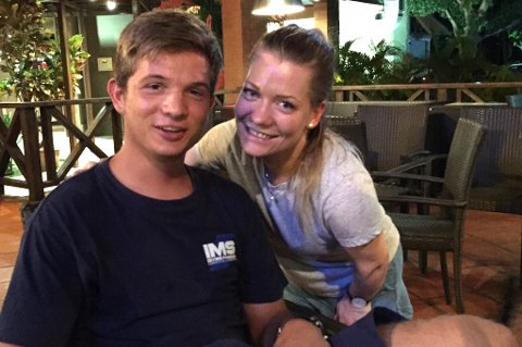 I PANAMA: Her treffer Sp-politiker Sandra Borch broren Sam Solberg i Panama, der hun tilbringer julen sammen med familien.