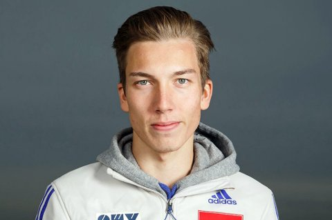 MÅ DUELLERE: Johann André Forfang må konkurrere med landslagskollega Joachim Hauer om den siste norske plassen i hoppuka.