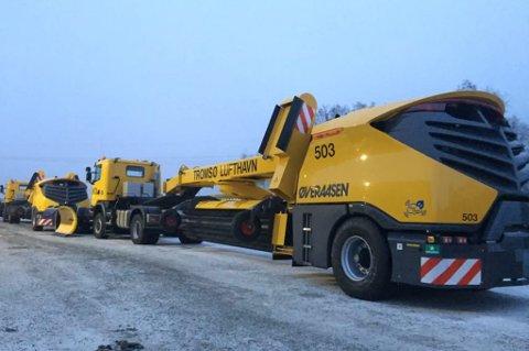 RAR MASKIN - RART NAVN: De nye sope- og blåsemaskinene til Tromsø lufthavn er på vei nordover og ankommer Tromsø senere denne uka. Foto: Øveraasen