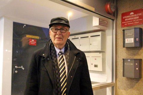 Edvard Sigurd Falk mener Tromsø kommune skylder ham en million kroner i refusjon for feilberegnet vann- og avløpsgebyr i forretningsgården i Skippergata.