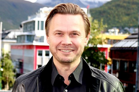 Finnsnes-trener Bjørn Johansen har sikret seg to nye spillere. Både spissen Sega Ngom og midtstopper Markus Rolandsen har ifølge FIL-treneren gitt sine muntlige ja til å spille for Lenvik-laget i 2017.