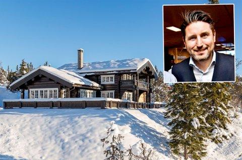 SELGER HYTTA: Når Ronni Møller Pettersen snart går over i ny jobb som konserndirektør for salg og kunderelasjoner i Sparebank 1 Nord-Norge, flytter han permanent til Tromsø. Nå selger han også hytta sørpå.