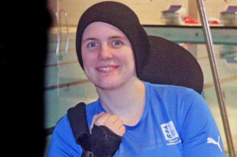 FREMGANG: INgrid Thunem slo verdensrekorden i sin Paralympics-klasse under et stevne i Stakkevollanbassenget lørdag. Nå håper hun på OL-plass.