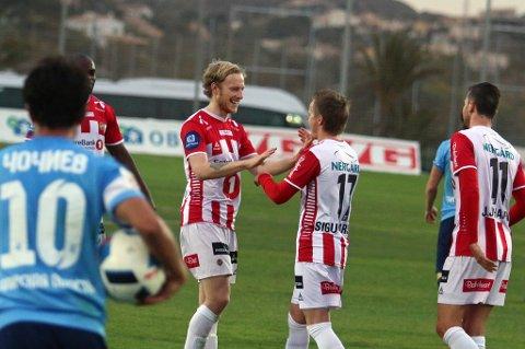 Gjermund Åsen (t.v) scoret og serverte da TIL slo Krilya Sovetov 3-0 i La Manga fredag. Trønderen har trent som en gal for å unngå skader i 2016-sesongen, etter en amputert debutsesong i TIL-trøya.
