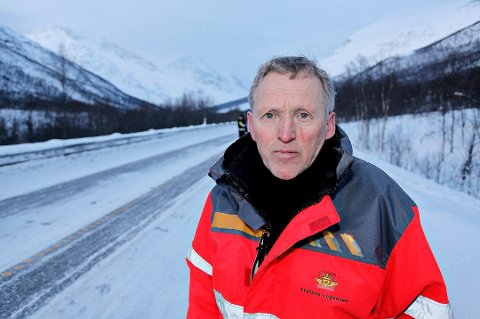 Regiondirektør Torbjørn Naimak mener Troms-politikerne ikke jobber godt nok for å utløse nye veiprosjekter.